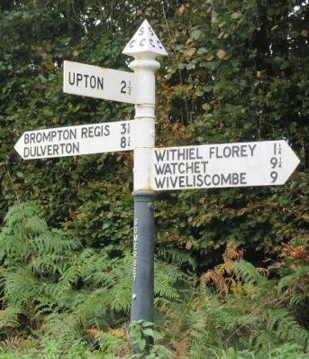 Signpost_Westcott Lane